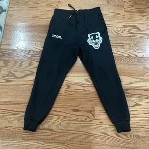 Joggers icon size L men Use one time